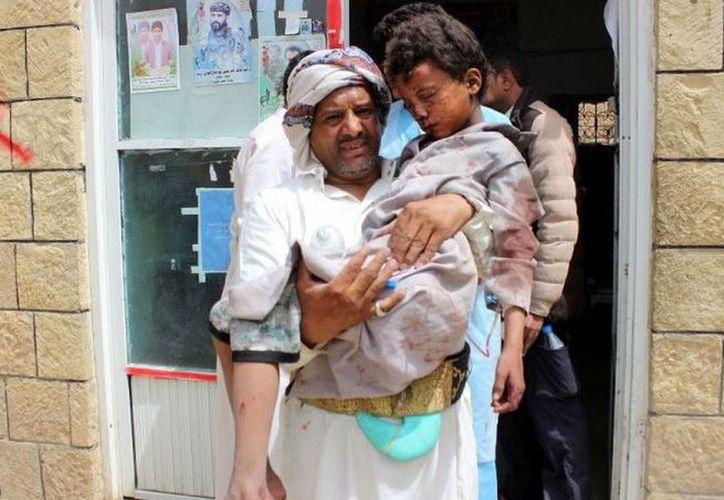 Hasta el momento se han reportado más de 40  personas lesionadas, entre ellos niños. (AFP)