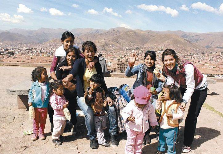 Los voluntarios realizan actividades en pro de las comunidades necesitadas en diversas partes del mundo. Más de 150 jóvenes mexicanos se van a hacer servicio social al extranjero. (Milenio Novedades)