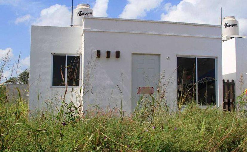 Las casas abandonadas que ya recuperó el Infonavit las rentará a derechohabientes seleccionados, a fin de que, después de un año, puedan comprarlas. La imagen está utilizada sólo con fines ilustrativos. (SIPSE)