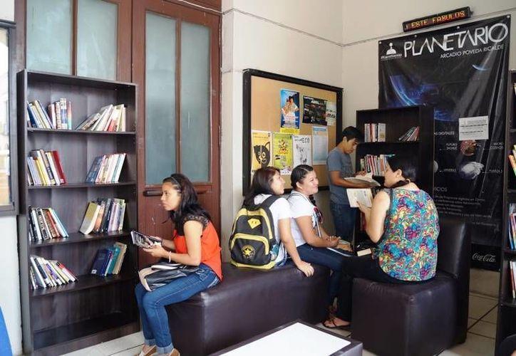 Meridanos celebraron en bibliotecas y otros espacios culturales el Día Mundial del Libro. (SIPSE)
