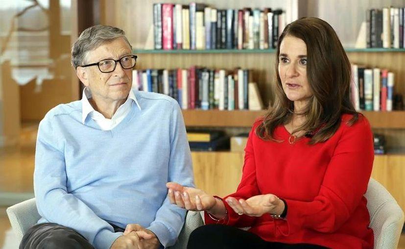 El empresario y filántropo, Bill Gates, llamó a las autoridades estadounidenses a gastar entre 8 y 10 mil millones de dólares para apoyar con vacunas de Covid-19 a países de todo el mundo. (Foto: Reforma).