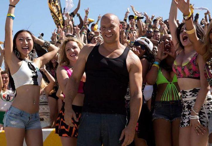 Vin Diesel protaogniza 'Furious 7', que ya suma 143.6 millones de dólares en taquilla. (breitbart.com)
