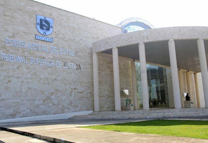En el taller de Investigación y Juzgamiento en Materia de Delitos Complejos en Yucatán participan magistrados, jueces, peritos, policías investigadores y defensores públicos. (Milenio Novedades)