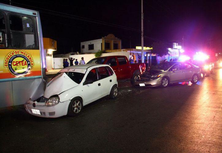 El guiador de un Honda, que estaba bajo los efectos del alcohol, se durmió al volante. (Jorge Pallota/SIPSE)