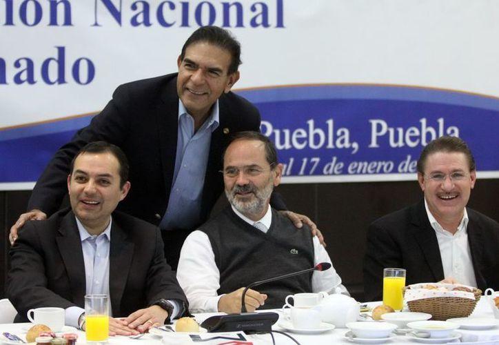 Madero se reunió casi tres horas con los integrantes de la bancada panista. (Notimex)