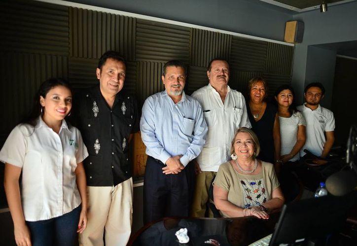 En el programa Salvemos una Vida, transmitido por la estación 100.1 FM de la Nueva Amor, tocaron el tema de la salud mental, con apoyo de especialistas de Salud Mental de la SSY y de la Codhey. (SIPSE)