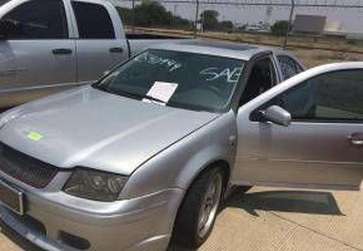 En imagen, uno de los automóviles que oferta el SAE en su subasta en línea. (subastasenlinea.sae.gob.mx)