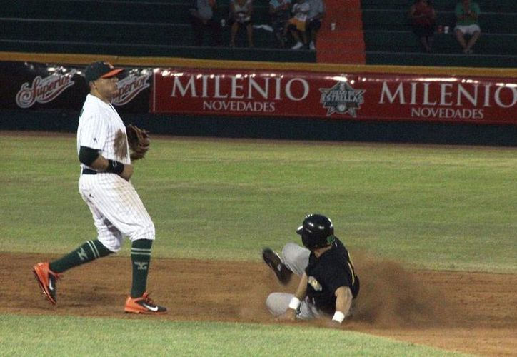 Leones de Yucatán se llevó la serie contra Pericos de Puebla. El tercer partido quedó 12-6, a favor de los felinos. (Martín González/Milenio Novedades)