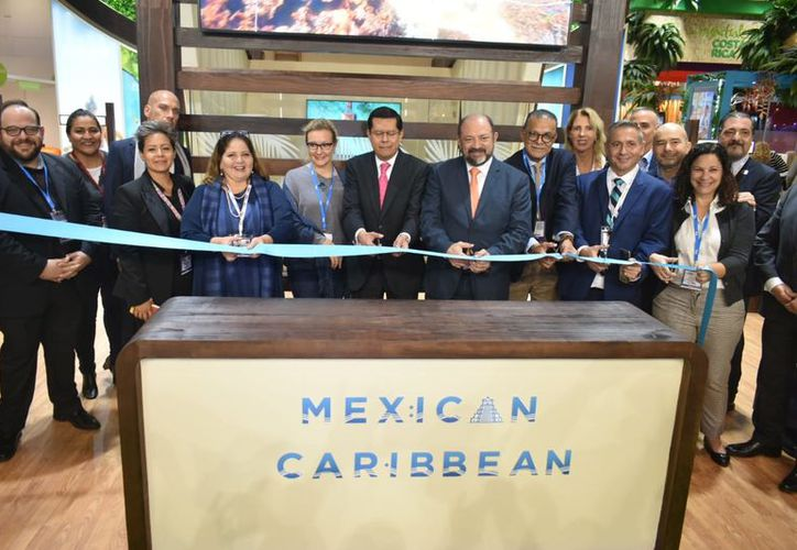 Se realizó la ceremonia de inauguración del Pabellón de Caribe Mexicano con el corte de listón. (Cortesía)