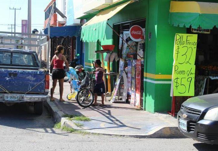 No se han respetado las normas de construcción de acceso en las banquetas o en los estacionamientos. (Eddy Bonilla/ SISPE)