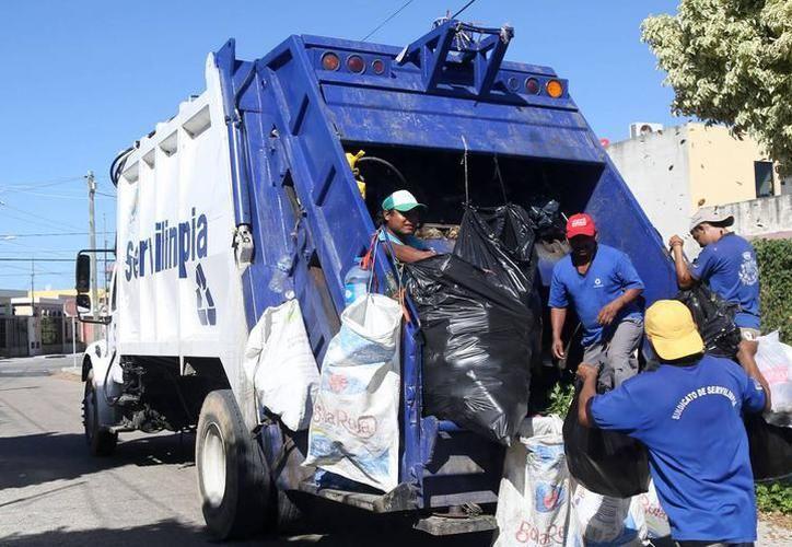 """Mañana la empresa """"Servilimpia"""" no prestará servicio de recoja de basura.  (Milenio Novedades)"""