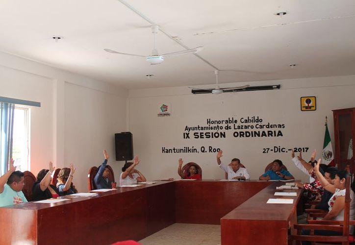 Se llevó a cabo la novena sesión ordinaria de Cabildo. (Raúl Balam/SIPSE)