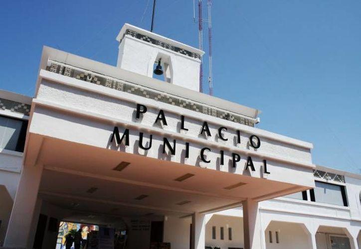 Durante los ocho meses del actual gobierno municipal se han erogado 811 mil pesos mensuales para el pago de los 15 regidores.  (Archivo/SIPSE)