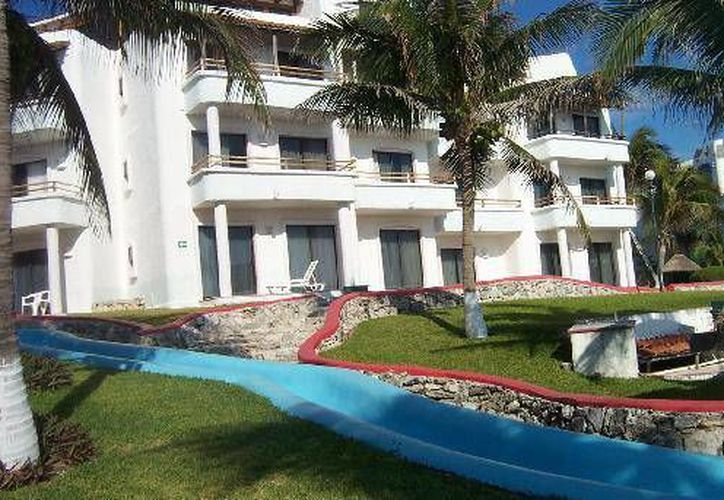 El hotel se encuentra en el kilómetro 19.5  del bulevar Kukulcán. (Redacción/SIPSE)