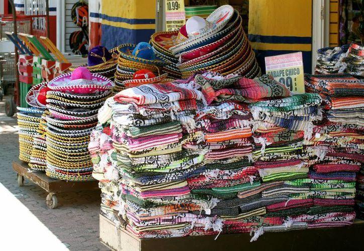 La Canaco expondrá a nivel nacional el problema de la invasión de productos asiáticos en la Quinta Avenida.  (Adrián Monroy/SIPSE)
