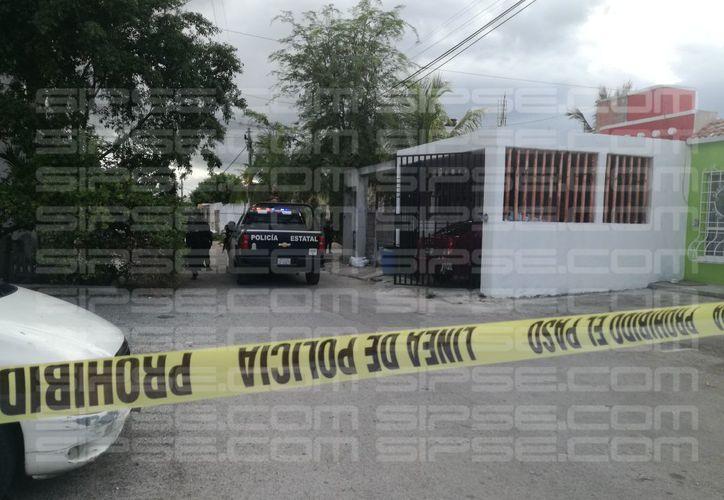 La policía cercó la zona para tomar pistas. (Redacción/SIPSE)
