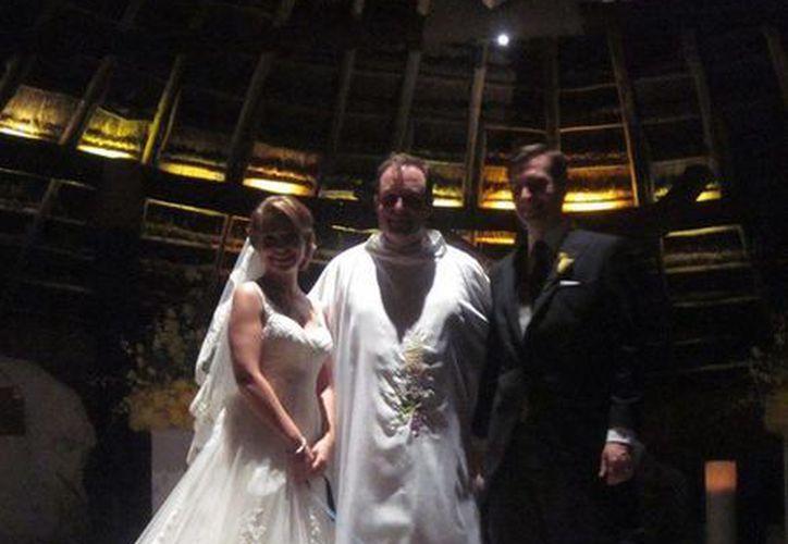 'Bono' fue el invitado de honor de la boda que se realizó ayer, miércoles. (Cortesía/SIPSE)