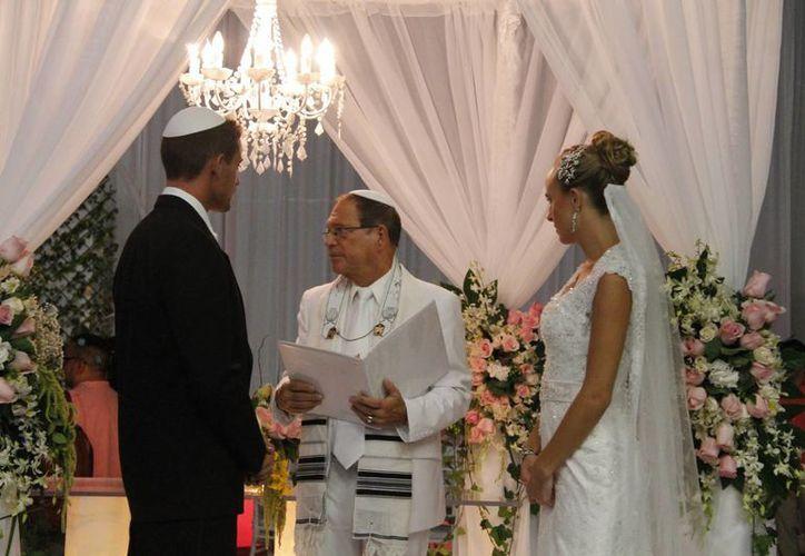 El segmento de bodas en Cancún tiene mayor auge en marzo y septiembre. (Israel Leal/SIPSE)