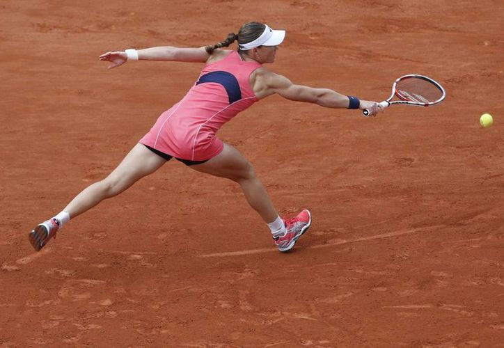 Stosur, novena preclasificada, derrotó 6-4, 6-3 a la francesa Kristina Mladenovic. (Agencias)