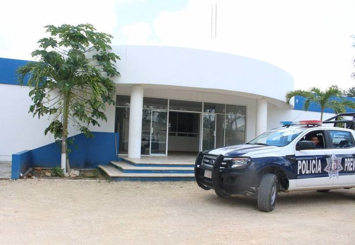 El lugar permanece custodiado por un elemento policíaco debido a la zona deshabitada en que se encuentra. (Benjamín Pat/SIPSE)