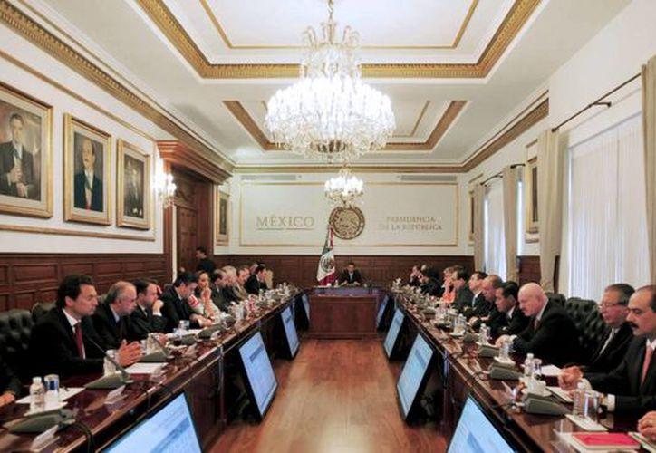 La reunión de Peña Nieto con su gabinete en Los Pinos. (Notimex)