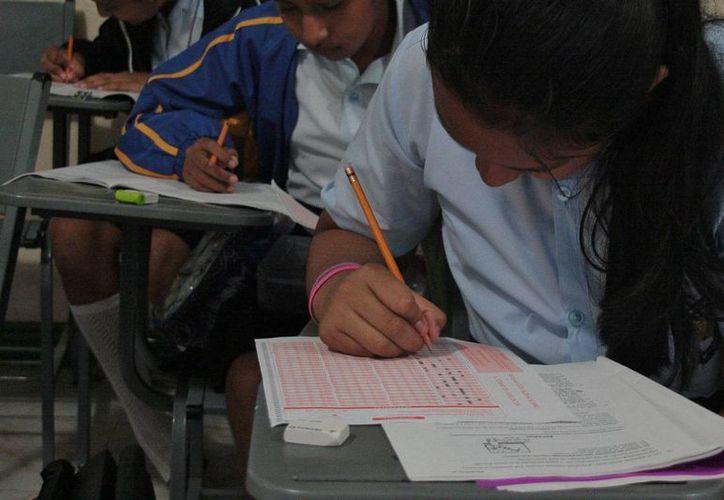 Sólo 192 de ocho mil alumnos se sometieron al examen. (Julián Miranda/SIPSE)