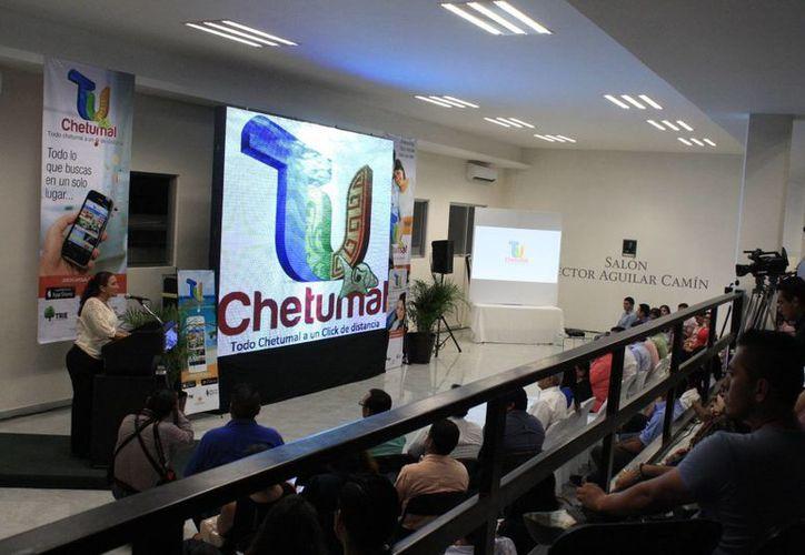 Presentaron la aplicación 'Tu Chetumal' la cual también tiene un sitio web y está en redes sociales. (Paloma Wong/SIPSE)