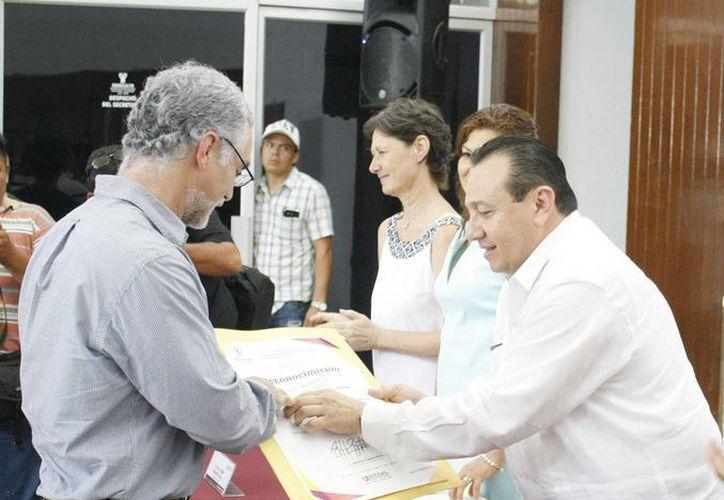"""La ceremonia de premiación a los artistas plásticos se realizó en el Salón de Creadores """"Manuel Lizama Salazar"""" de la Sedeculata. (Cortesía)"""