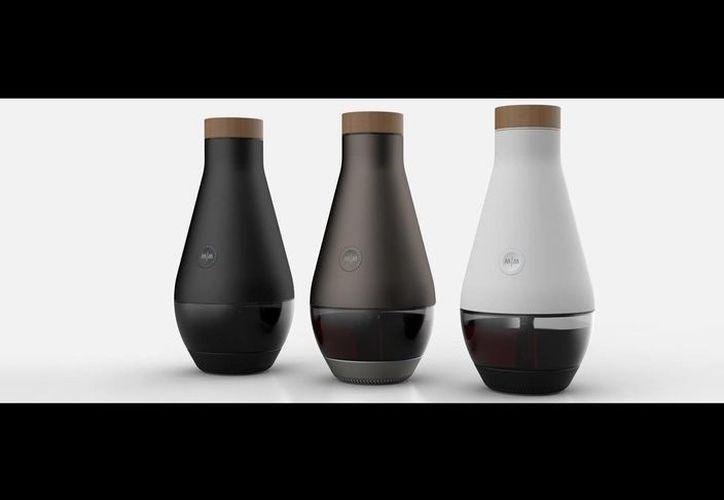 'The Miracle Machine', la máquina milagrosa que convierte el agua en vino (themiraclemachine.net)