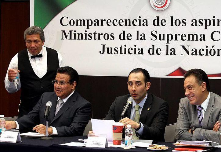 Ex coordinador de la campaña panista, Roberto Gil Zuarth (centro). (Archivo Notimex)