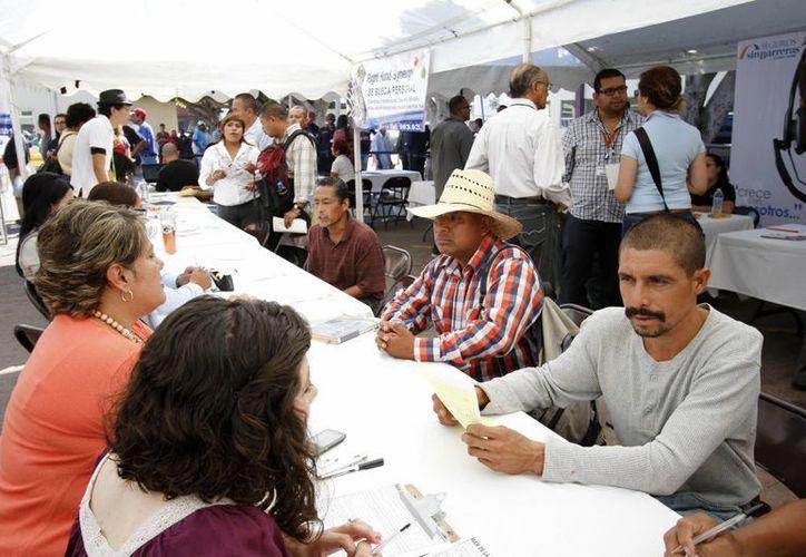 Recomiendan tener un fondo para utilizar en caso de quedar desempleado. (Archivo/Notimex)