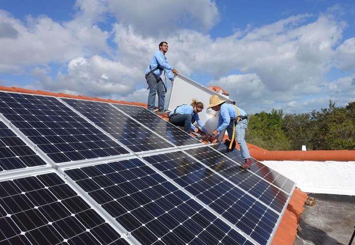 Especialistas estiman que para el año 2020 crezcan los usuarios  de paneles solares en el país, resaltó en un comunicado. (Foto: Contexto)