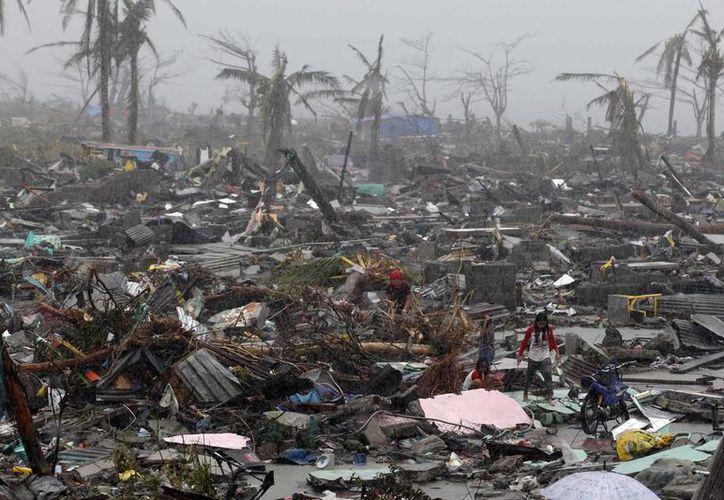 El tifón más fuerte del mundo del 2013 impactó tierras filipinas el pasado mes de noviembre. (EFE)