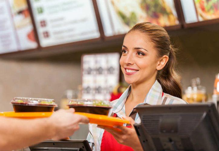 La preparación del pollo teriyaki irrita a los empleados de restaurantes de comida rápida. (Foto: Contexto)