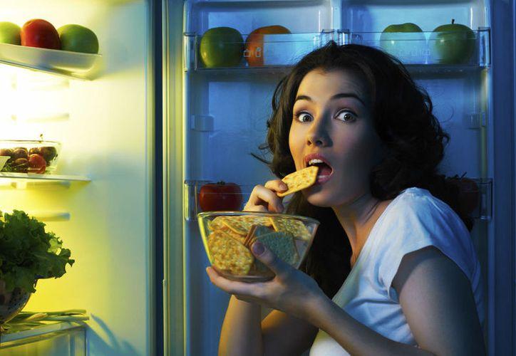 Algunos alimentos son muy pesados, lo que puede afectar a la calidad de tu sueño. (Foto: Contexto)