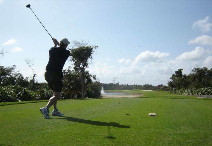 Cancún y la Riviera Maya son destinos atractivos para la realización de torneos de golf. (Redacción/SIPSE)