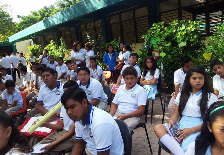 """Instituciones como la Secundaria """"Ignacio Zaragoza"""" y el colegio de Bachilleres son ejemplo de lo anterior al aportar la mayoría de alumnos. (Luis Ballesteros/SIPSE)"""