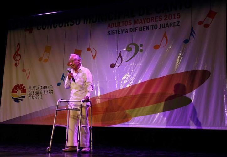 """Juan Areizaga Rocha cantó a capela """"Por si no te vuelvo a ver"""". (Redacción/SIPSE)"""