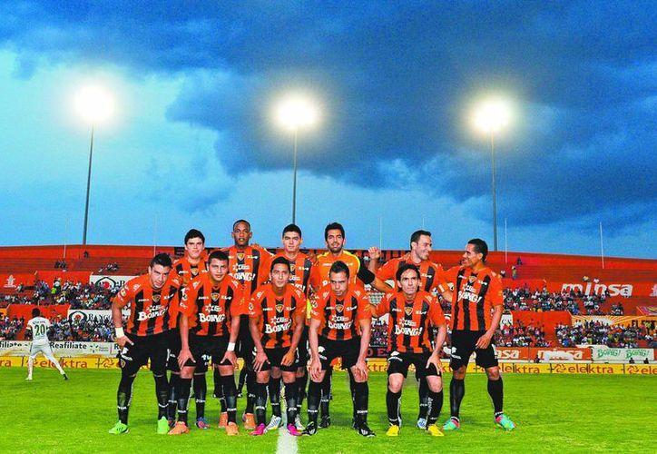 Jaguares de  Chiapas, antes de  un juego de Liga. (Agencias)