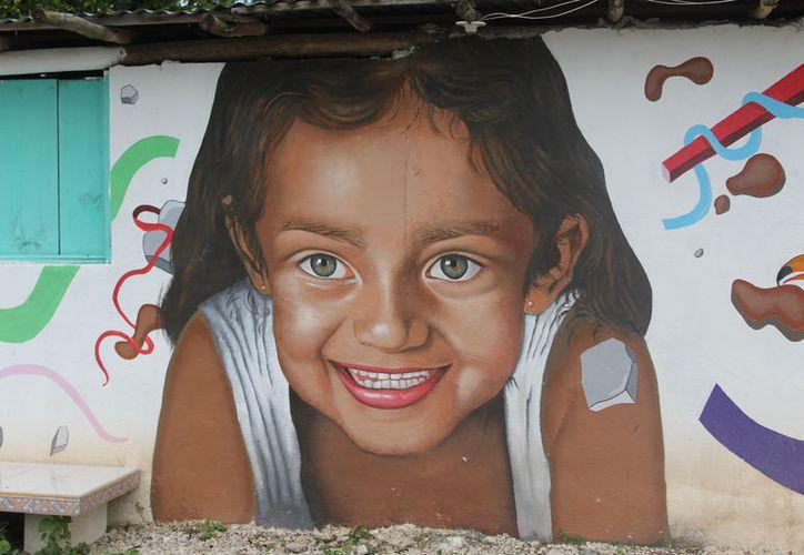 Los murales que se han plasmado en diversos muros de avenidas y calles dan una buena imagen al Pueblo Mágico. (Joel Zamora/SIPSE)