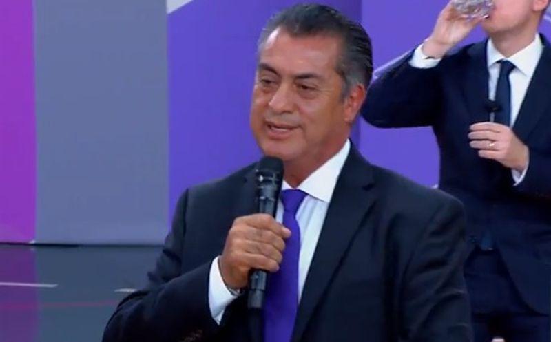 """El Bronco volvió a sacar su propuesta de mochar manos a los """"malos"""". (Internet)"""