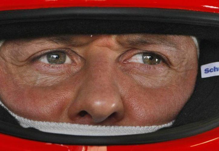 Sabine Kehm, manager del expiloto alemán Michael Schumacher, afirma que al momento del accidente no estaba sólo con su hijo sino con un grupo de amigos. (Agencias)