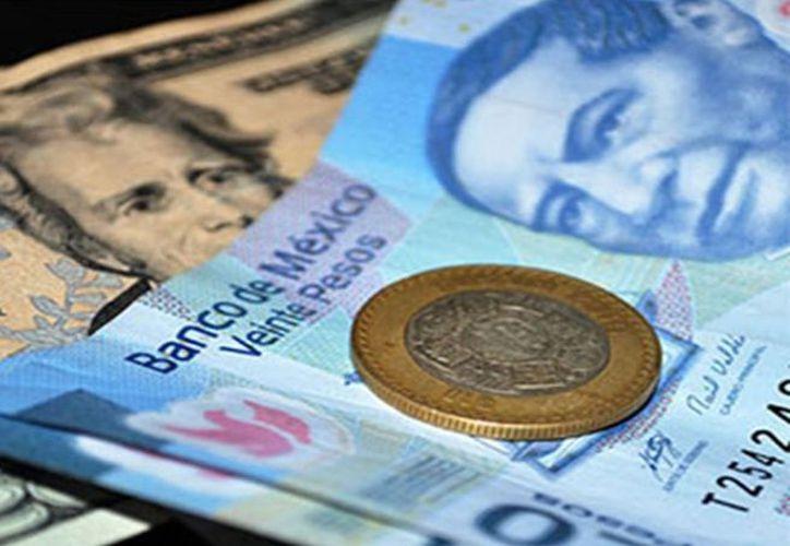 La paridad peso-dólar está regresando a niveles benéficos en las negociaciones. (Foto: Entérate)
