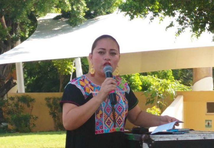 La presidenta municipal entrante, Perla Tun denunció irregularidades y deudas millonarias con las que recibirá al Ayuntamiento de Cozumel. (Irving Canul/SIPSE)
