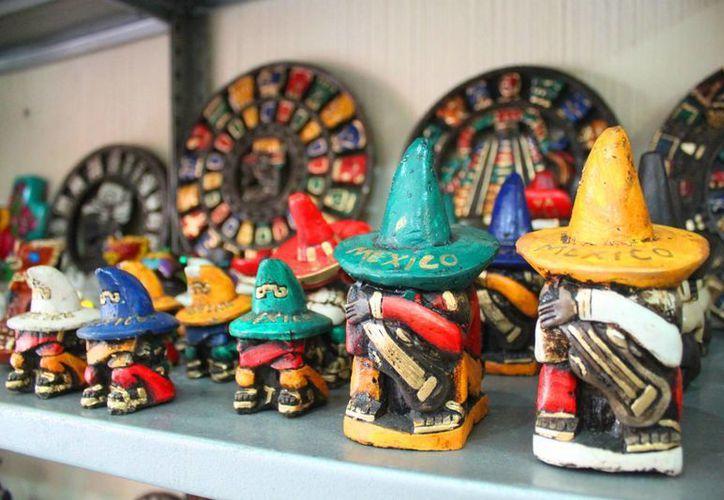 Las artesanías 'mexicanas' hechas en China perjudican a las originales.  (Daniel Pacheco/SIPSE)