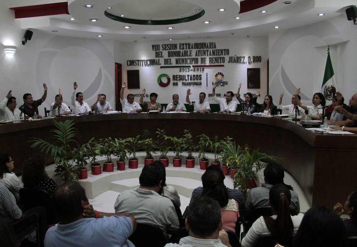 El documento que regirá el crecimiento ordenado de Cancún fue aprobado con 16 votos a favor y uno en contra. (Tomás Álvarez/SIPSE)