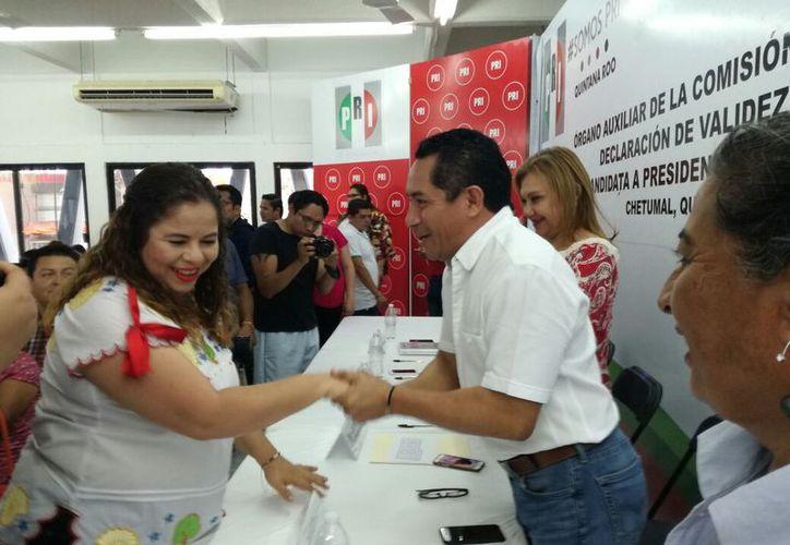 Hadad Castillo agradeció el apoyo del PRI y reafirmó que su interés es apoyar a la población. (Joel Zamora/SIPSE)