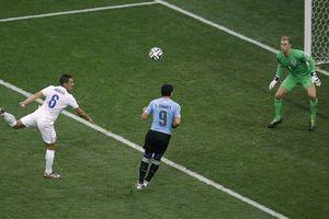 Uruguay 'rompe hechizo' y vence a Inglaterra