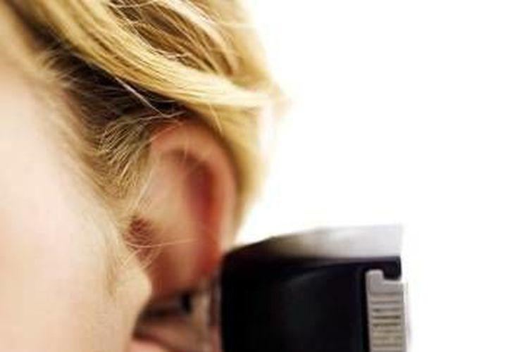 Especialistas indican que la infección del conducto auditivo externo es provocado por  diferentes tipos de bacterias u hongos. (Milenio Novedades)