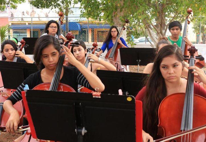 La orquesta que cerrará el Festival de los Océanos ejecutará temas relacionados con el mar. (Adrián Barreto/SIPSE)